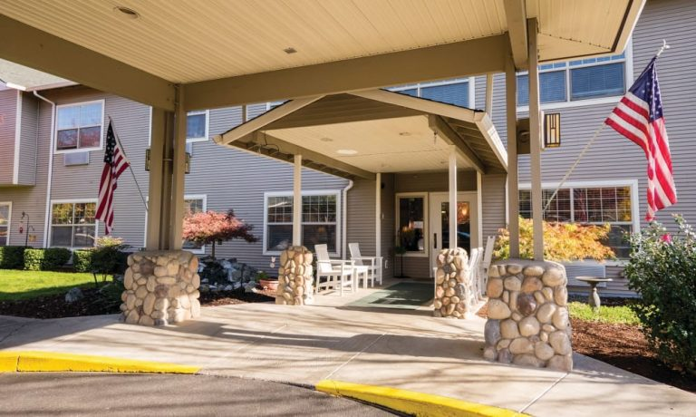 Lakeland Senior Living - Eagle Point, OR